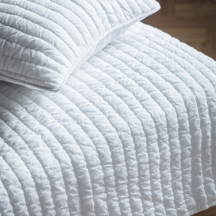 Linear Quilted Bedspread White
