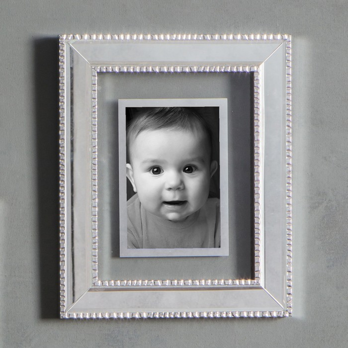 Moulin Photo Frame