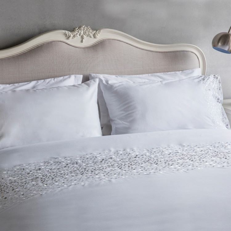 Confetti Emb Quilt Cover Set White Queen Size