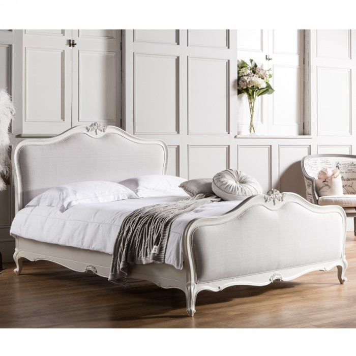 Chic Chalk 5' Bed With Subtle Grey Linen