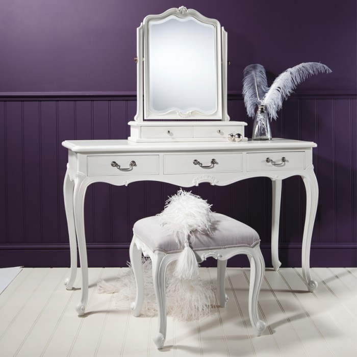 Chic Chalk Dressing Table